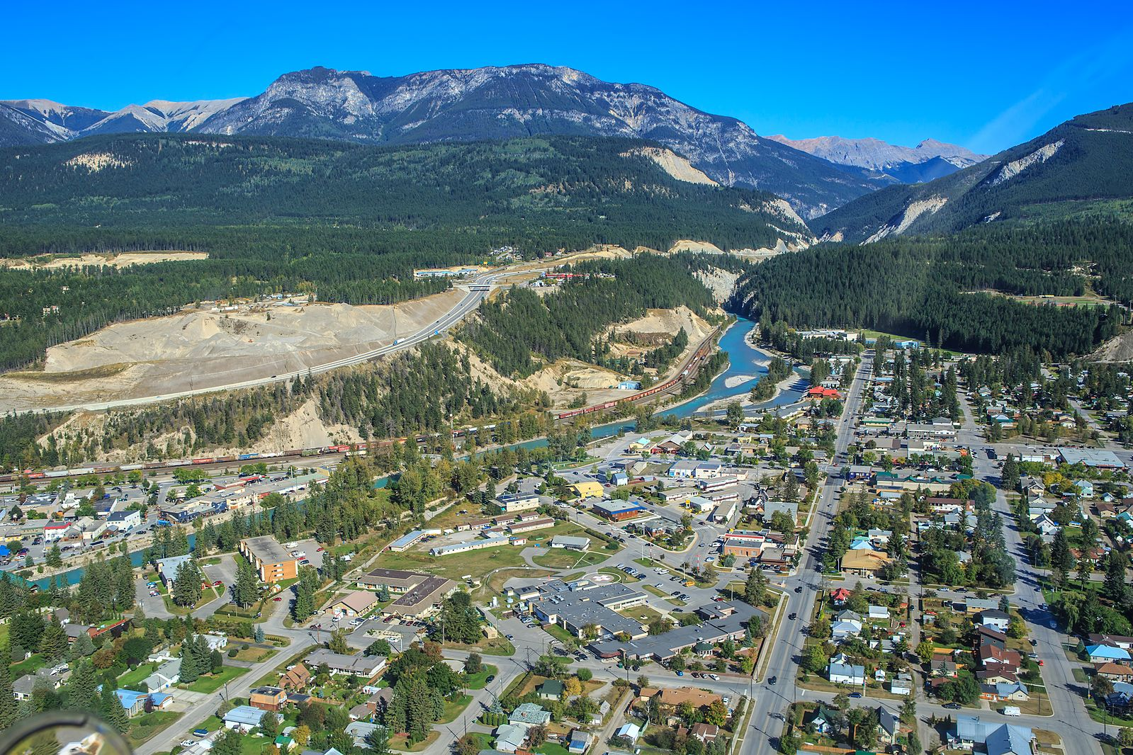 Golden,_B.C….looking_E_up_the_Kicking_Horse_River_(8002170566)